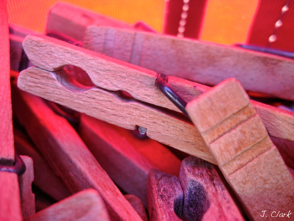 Wooden Clothespins 729