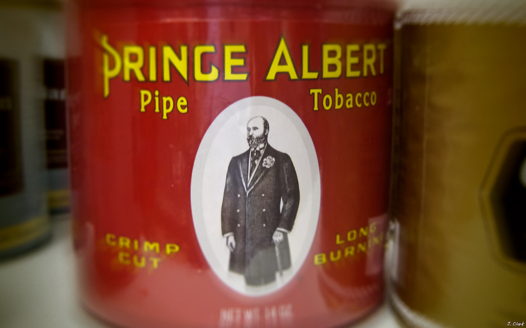 prince albert in a can lighter 1750